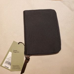 GOODFELLOW Passport Holder